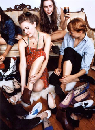 Marais USA - trying on shoes