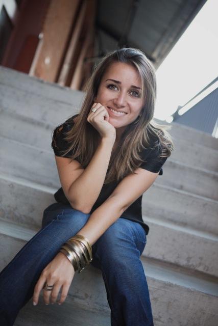 Adriana Neves designer